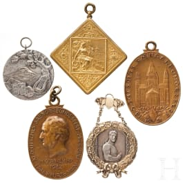 Five big medals and plaques of German national singers' festivals