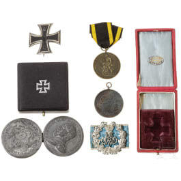 """Bavaria - an estate of medals and original boxes, with a commemorative medal of the 2nd Royal Bavarian Infantry Regiment """"Kronprinz"""" and an Iron Cross 1914 in box"""