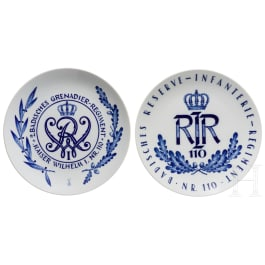 Two Meissen regimental plates of the 2nd Badish Grenadier Regiment No. 110 and the Badish Reserve Infantry Regiment No. 110
