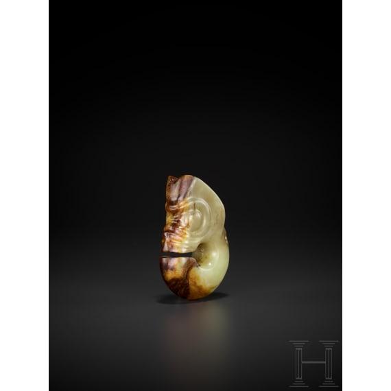 Zhulong-Jadefigur, Nordost-China, Hongshan-Kultur, Neolithikum, 4700 - 2900 v. Chr.