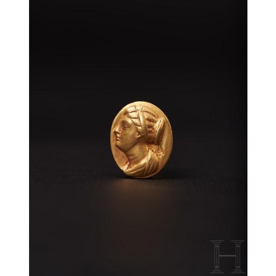 Goldring mit Bildnis der Berenike II., ptolemäisch, 3. Jhdt. v. Chr.