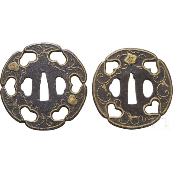Zwei Tsubas, Japan, um 1650