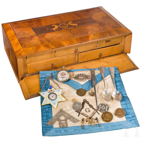 Lodge sword and larger collection of Masonic medals and other objects, 19th/20th century
