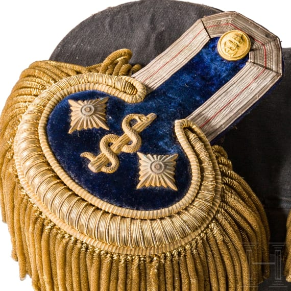 Marine-Oberstabsarzt Dr. Emil Sähn – a collection of epaulettes, shoulder boards and imperial patent from 1916