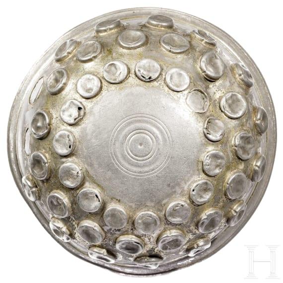 An early Achaemenid silver bowl, 5th century B.C.