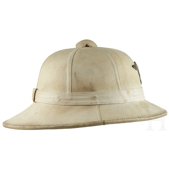 """A German pith helmet for the white summer uniform of the """"Kriegsmarine"""", 1940 - 1945"""