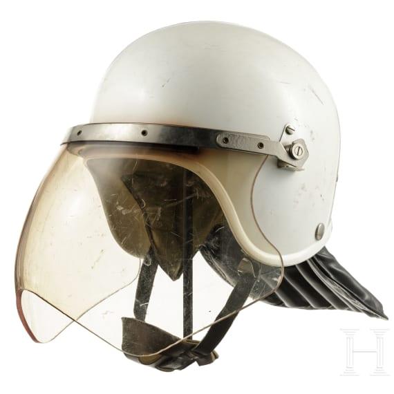 Anti-Demo-Helm (VoPo) mit Schutzvisier, DDR, Ende 1980er Jahre