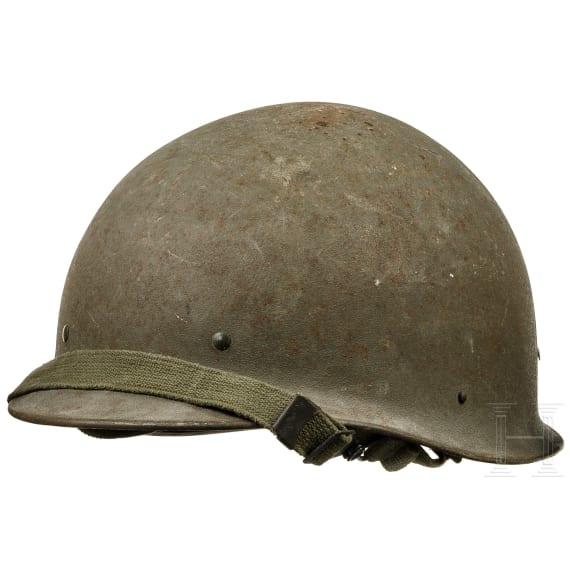 Five FJ 60 steel helmets of the Bundeswehr, 1950s - 1980s