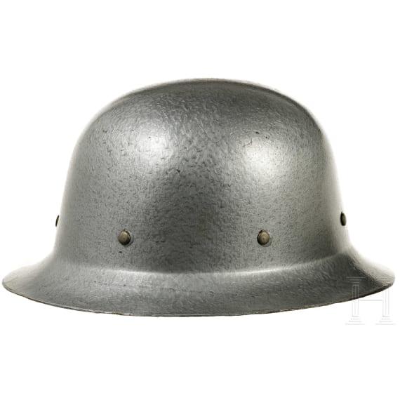 Vier Helme Zivilschutz/THW, BRD, DDR, 1970er - 1980er Jahre
