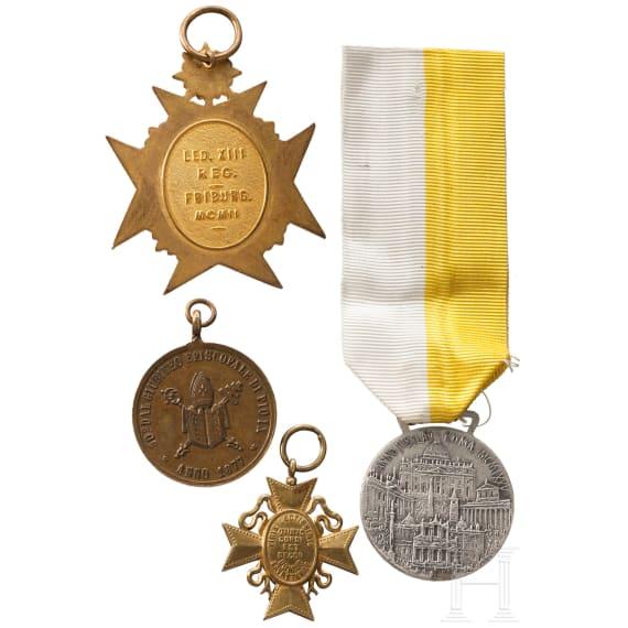 Papst Paul VI. - silberne Benemerenti-Medaille für Verdienste um das heilige Jahr 1975 in Etui