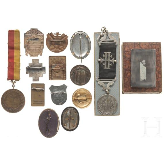 14 badges Gymnastics Union, with two in box, a medal Pforzheim in box, gymnastics in Nuernberg 1934, Stuttgart 1933, Hainichen 1929 and others