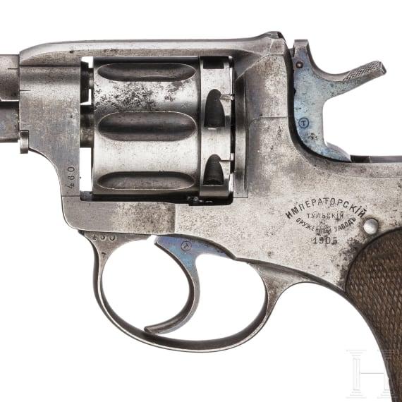 A Nagant Mod. 1895 revolver, Tula 1905, with holster
